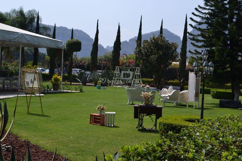 Jard n los faroles tlayacapan - Fotos de jardines decorados ...