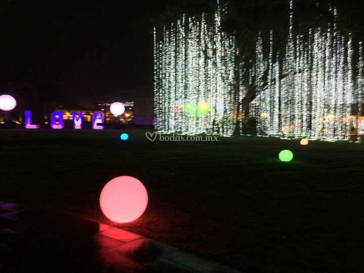Esferas iluminadas y Avatar