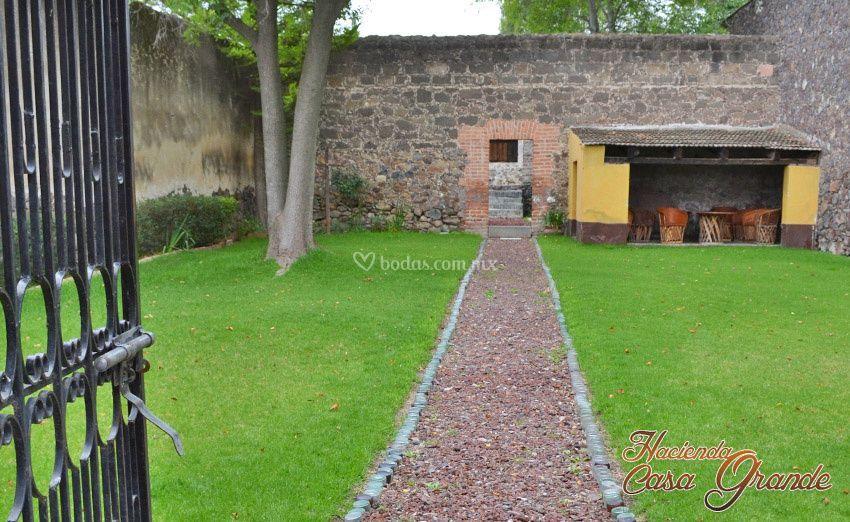 Hacienda casa grande for Jardin cipres