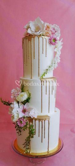 Drip cake y flores