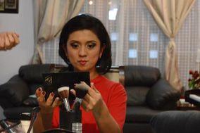 Minerva Flores Makeup & Style