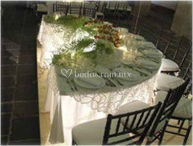 Mesa con centro de mesa