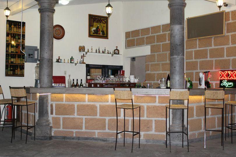 Bar y cristalería