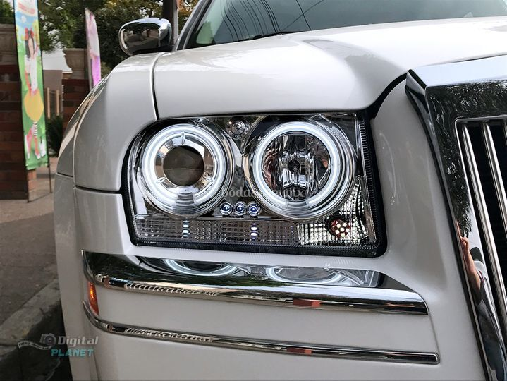 Chrysler 300c con faros LED