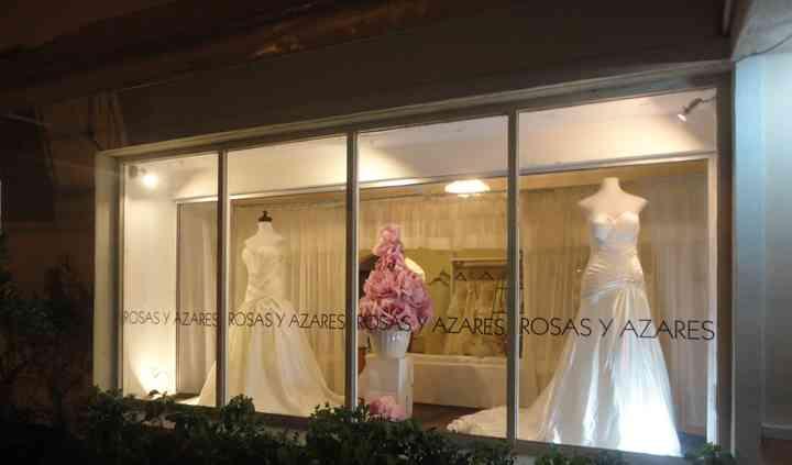 Rosas y Azares Boutique