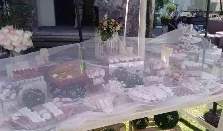 Mesa de dulces en boda vintage