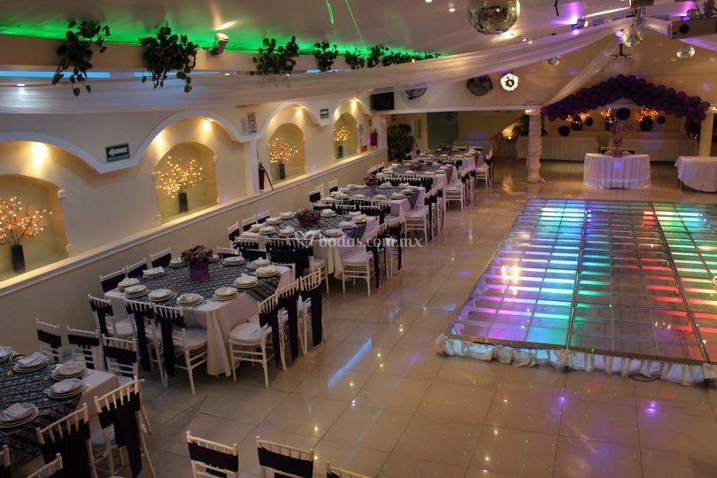 Ambientación de Salón de Fiestas Amarilis