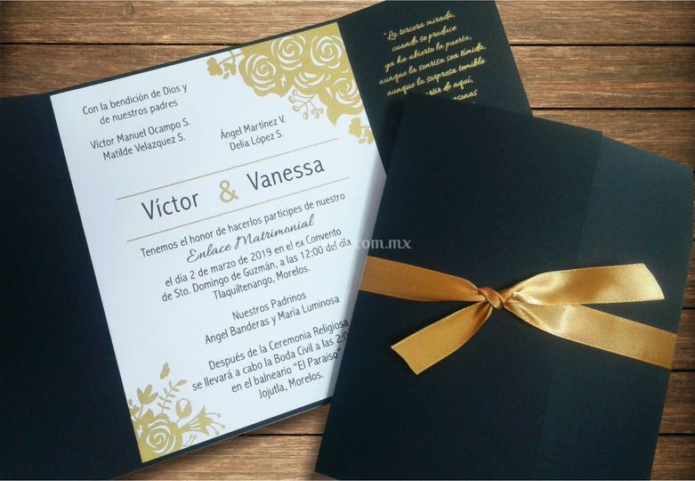 Invitación negro y dorado