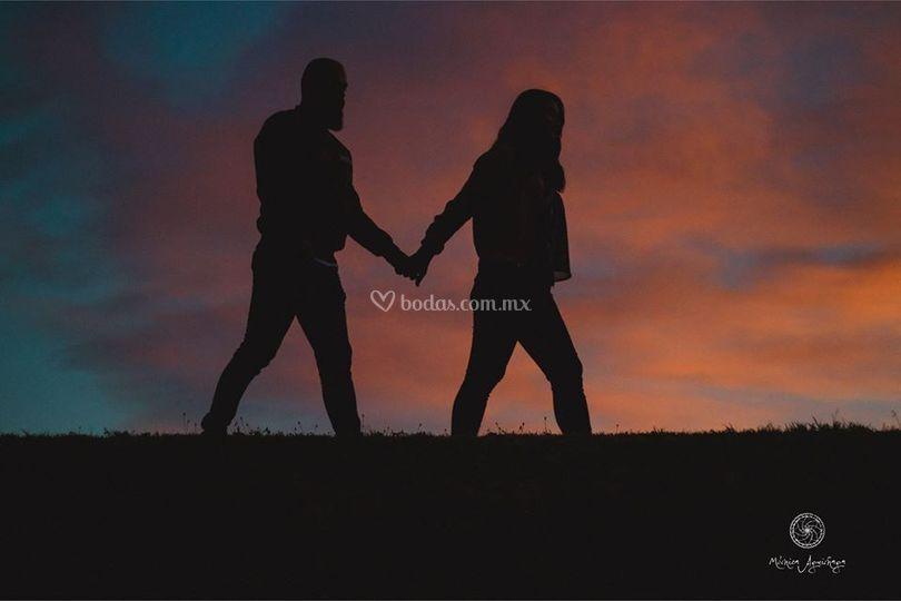 Caminando de tu mano