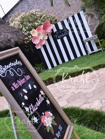 Muro para fotos con flores