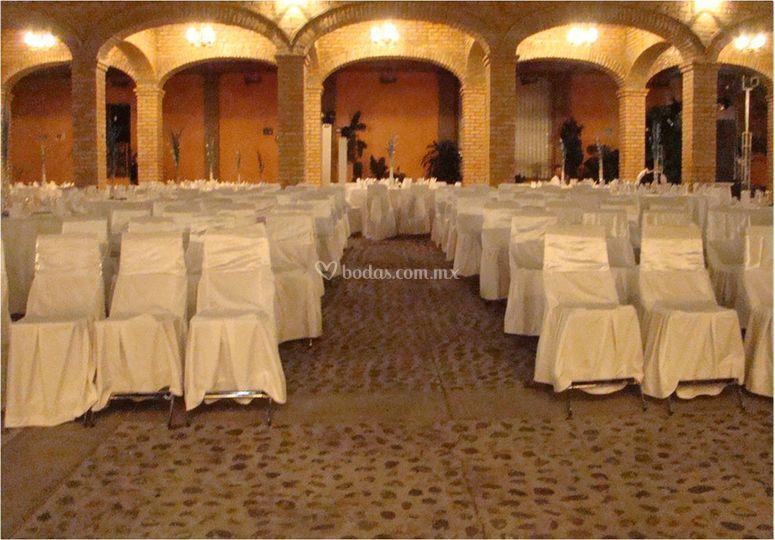 Distribución de mesas para invitados