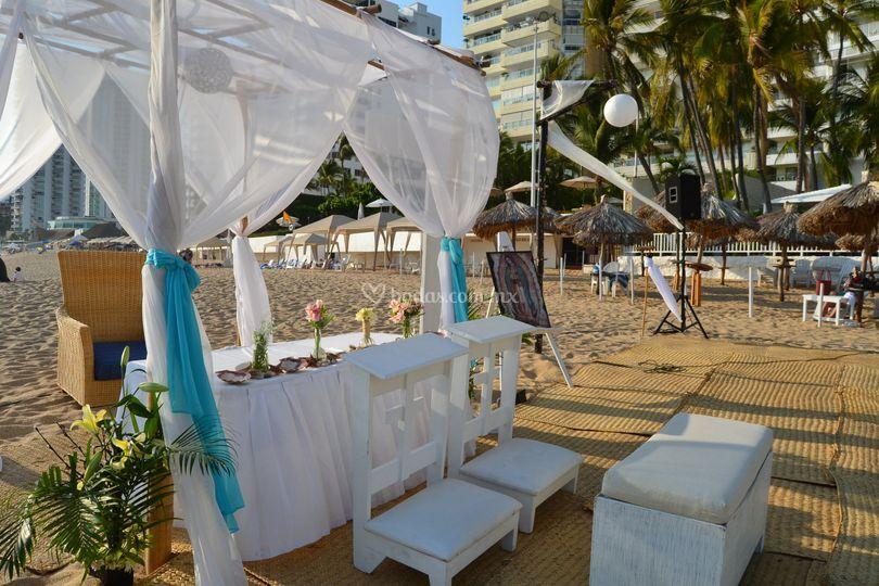 Religiosa en playa