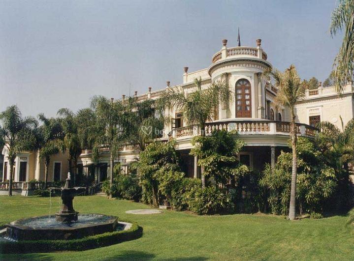 La casa de los abanicos for Casa jardin