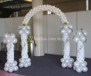 Arco y pilares para bodas