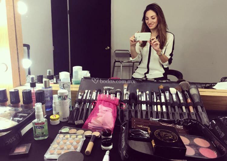 Brochas & Makeup