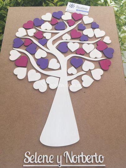 árbol de corazones