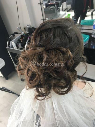 Peinado con velo