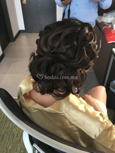 Peinado ángulo lateral
