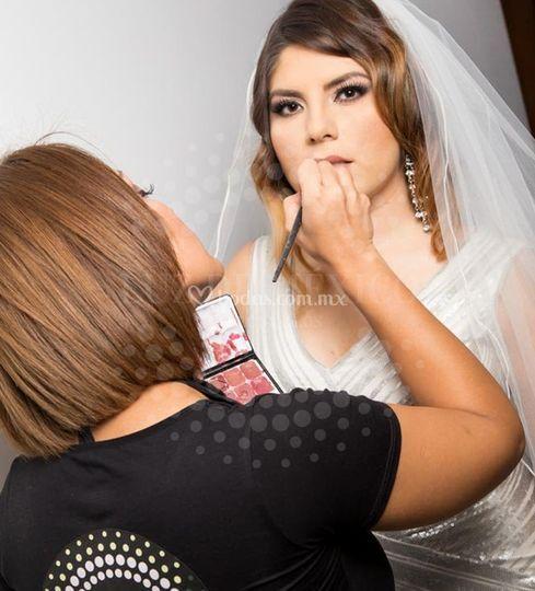 Retoque de maquillaje