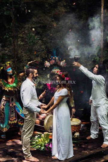 4a72e39d7e85 Just For 2 Ceremonia maya en cenote