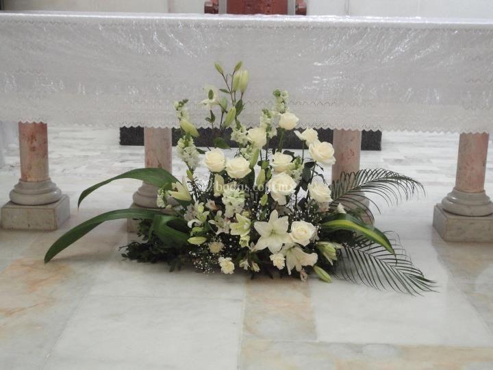 Pie del altar