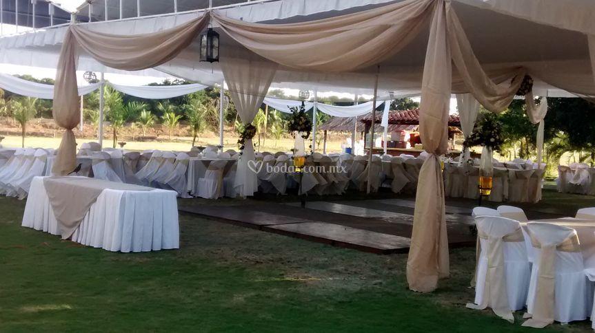 Jardín de bodas Barreto