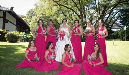 Vestidos Damas de Honor Modela Bella