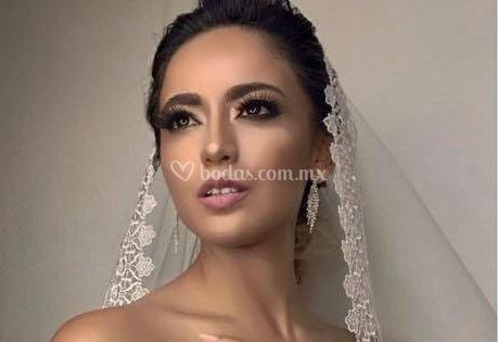 Alex Ortiz Glamour Stylist