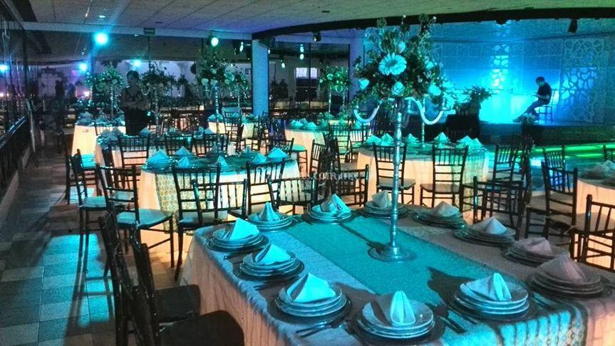 Salón en Lomas Verdes