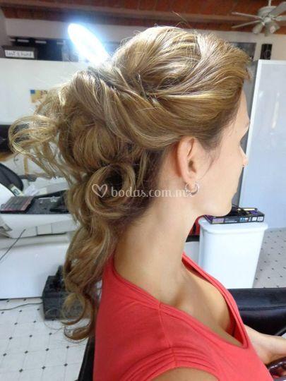 Peinado semirecogido
