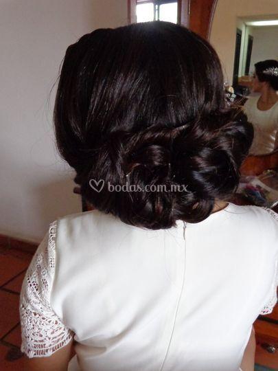 Peinado recogido vintage