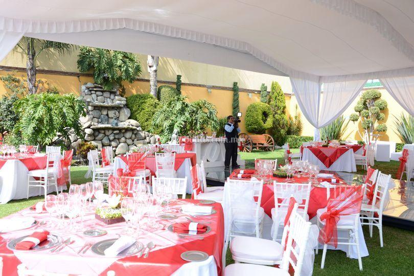 Montaje rojo de jard n quinta real foto 71 for Jardin quinta real