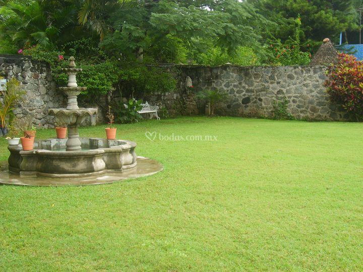 Jard n la casa blanca for Casa jardin la asuncion