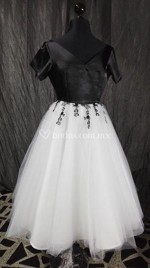 Vestido en shantung y tul