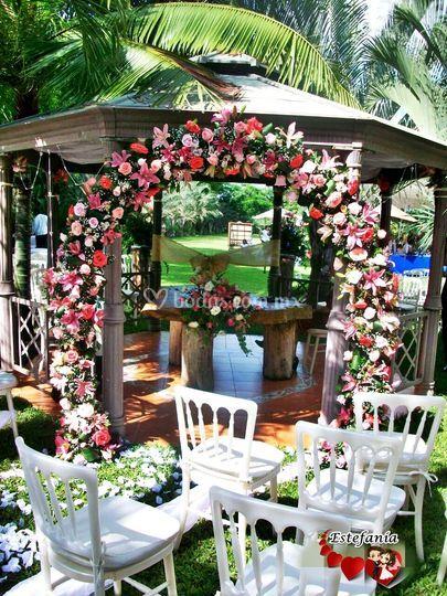 Arco de flores para el civil