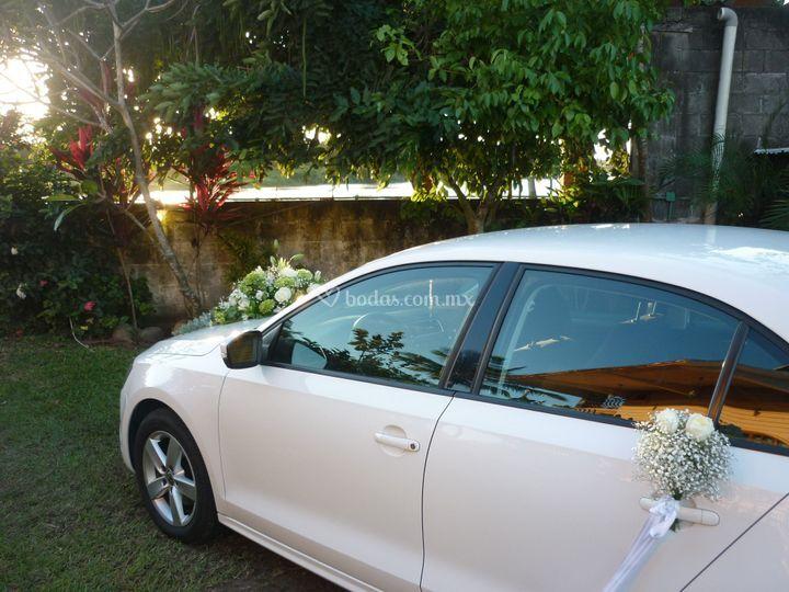 Llegando a la ceremonia civil