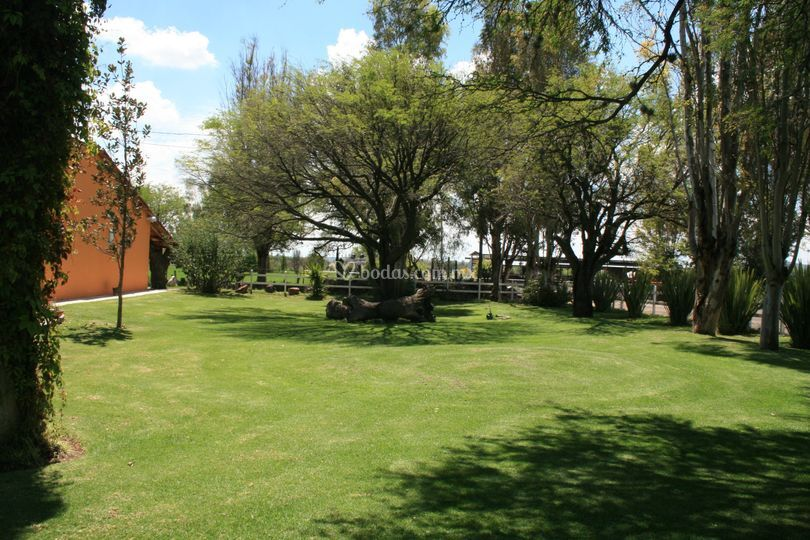 Rancho la parra for Jardines de poni