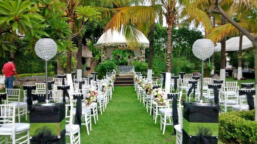Jardines y salones de eventos de eventos especiales for Imagenes de jardines para fiestas