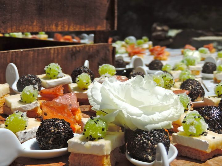 Merezzco catering service for Canape catering services