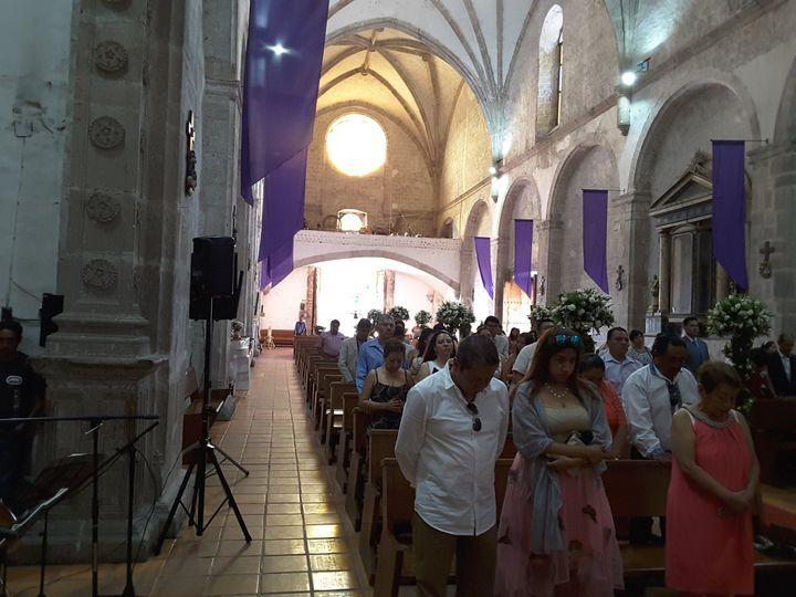 Servicio en capilla cerrada
