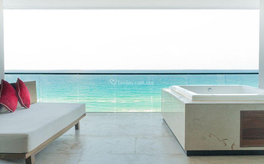 The Beach Club Suite
