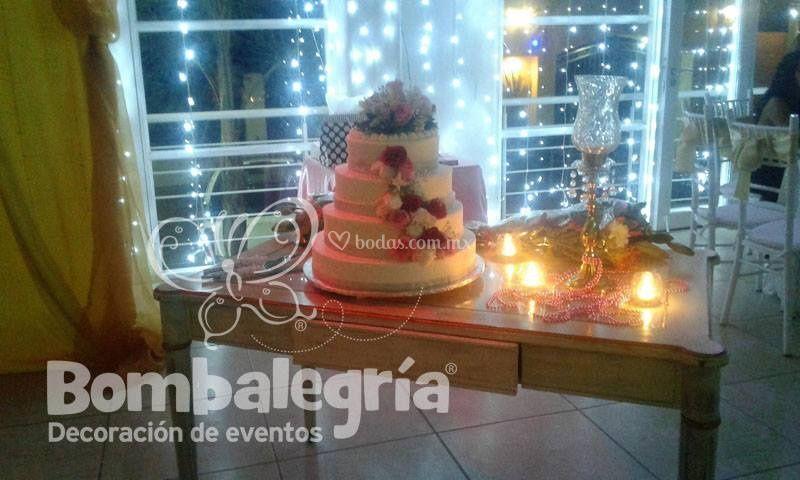 Mesa para pastel vintage