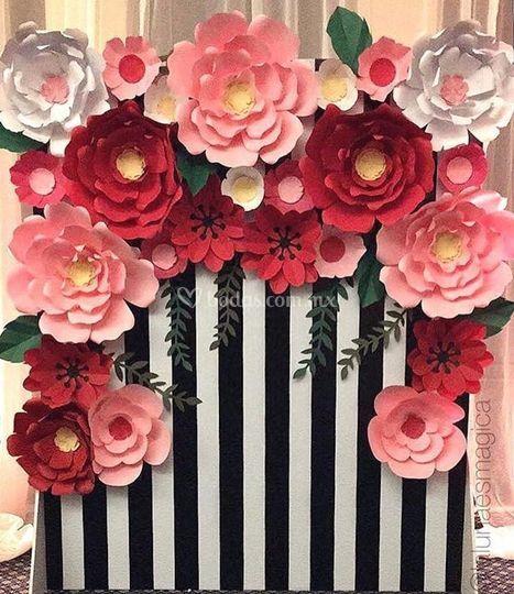 Flores de papel for Decoracion con cenefas de papel