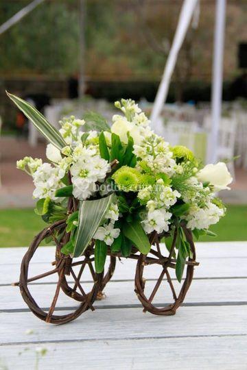 Hermosos Arreglos Florales De Jardín Vista Tepepan Foto 9
