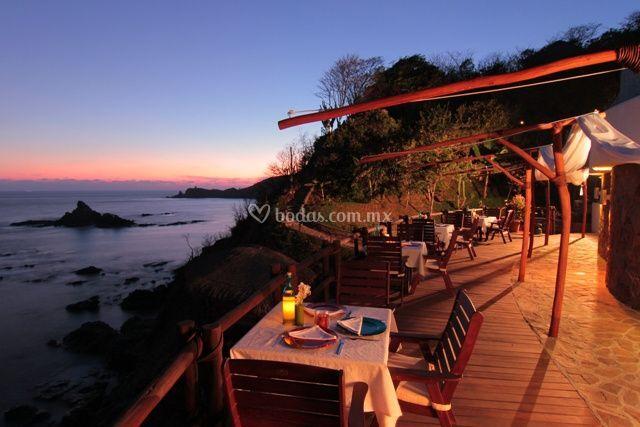 Deck, restaurante de noche