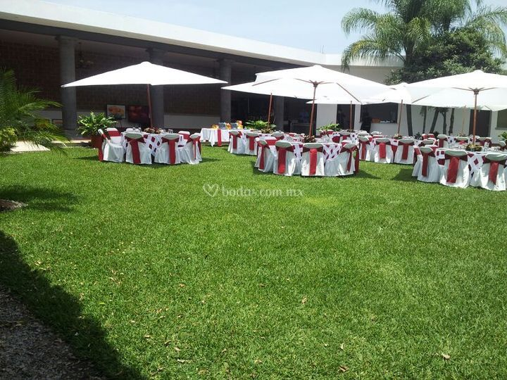 D 39 nila jard n terraza for Jardin villa xavier