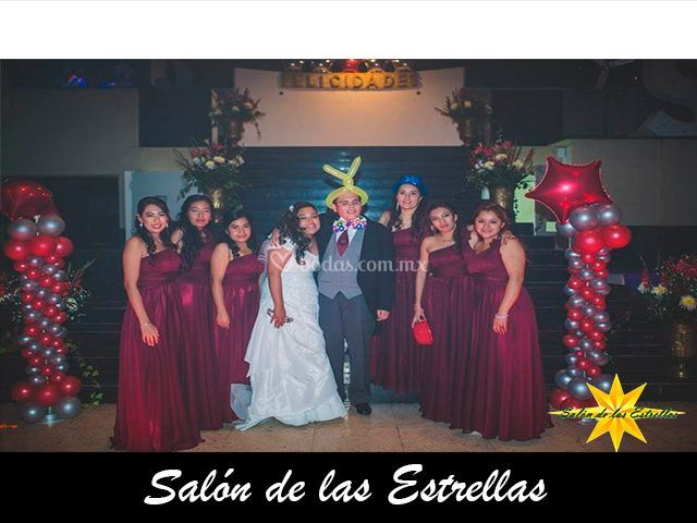 Los novios y damas de honor