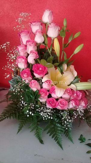 Diseño Floral La Rosa de Sarón