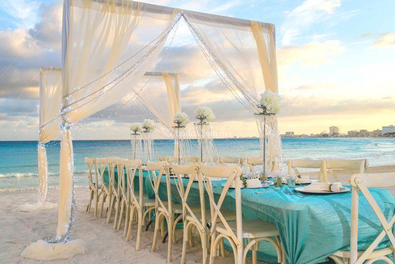 Cena coqueta en la playa