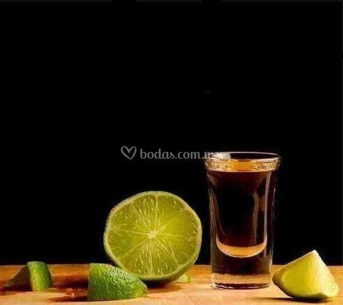 Tequila y limón